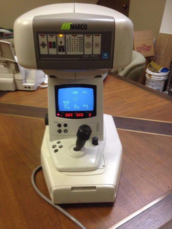 Nidek 760A Autorefractor Keratometer